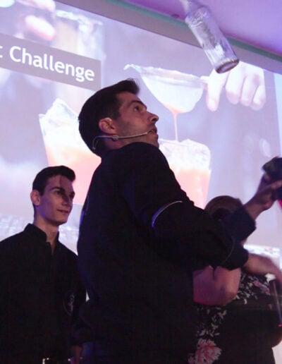Ice Braker Barman Show evento Corporativo Flair Bartending